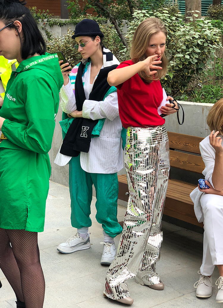 デムナ・ヴァザリアのルーツ、東欧ファッションをスタイリスト早川すみれと徹底解剖!