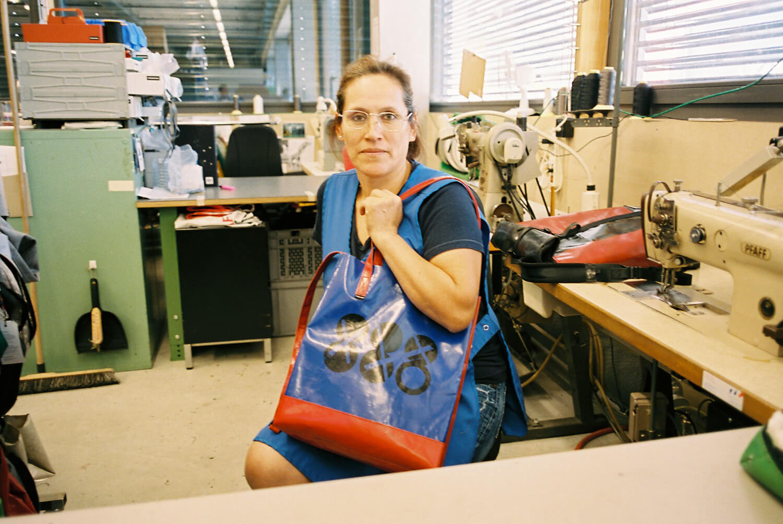 ブランド創設30周年を記念して、ZUCCaが888個限定のバッグを発売します。