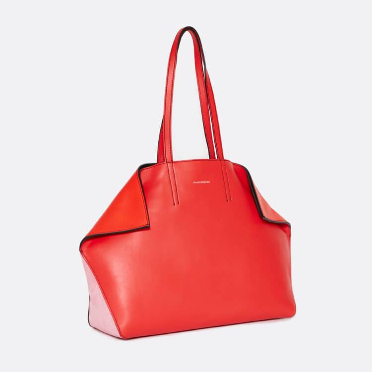 自分へのご褒美に、アレキサンダー・マックイーンの限定バッグはいかが?
