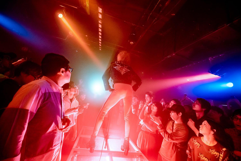 21世紀を生きるグラムドラァグクイーン、YVES TUMOR。突然開催された初来日ライブをレポート!