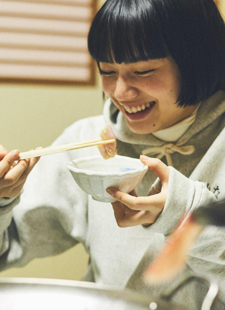 小松菜奈と魚。