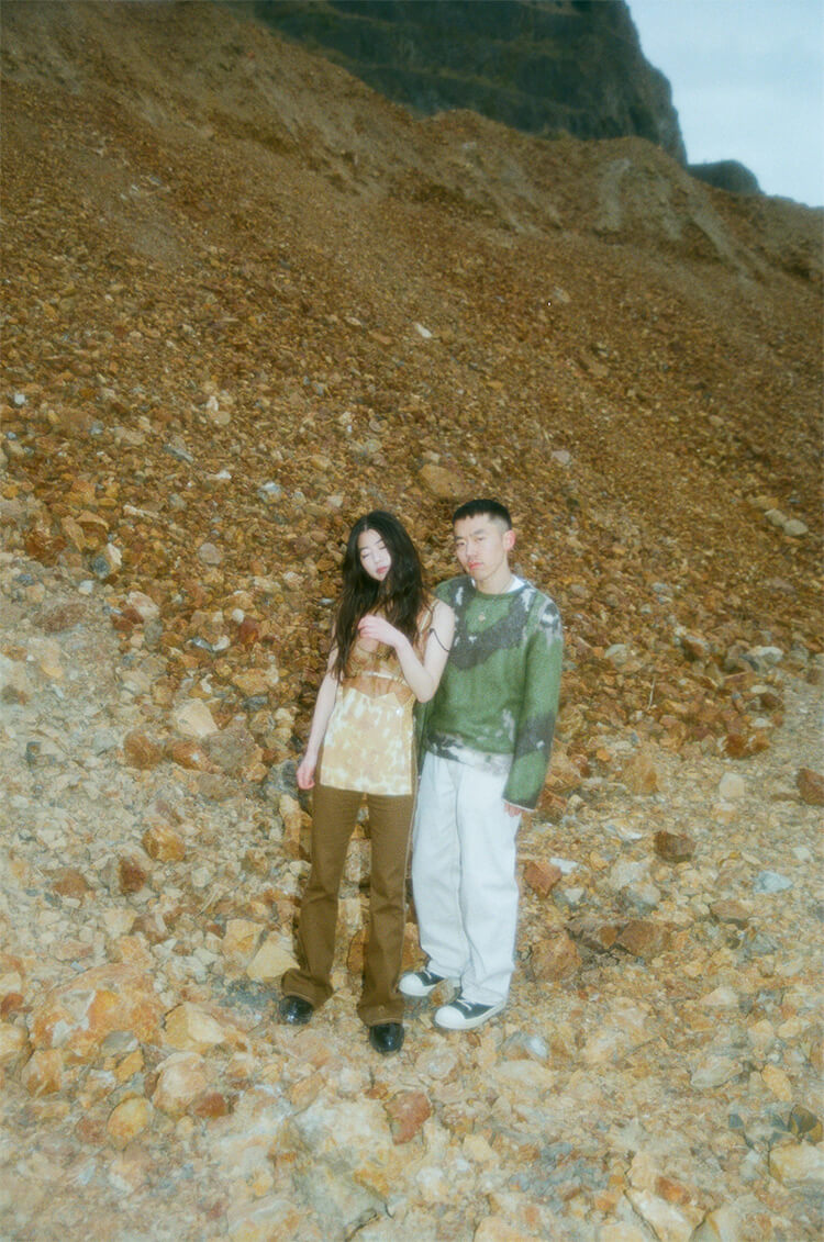 モデルのmeiも参加する日系アメリカ人の2人組ユニット、MIRRRORをご存知?