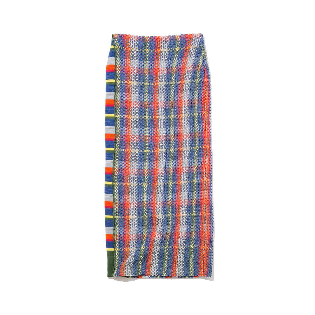 タンのスカート