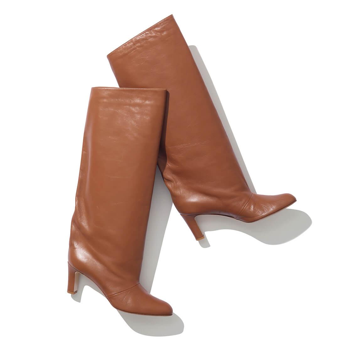 ネブローニのブーツ