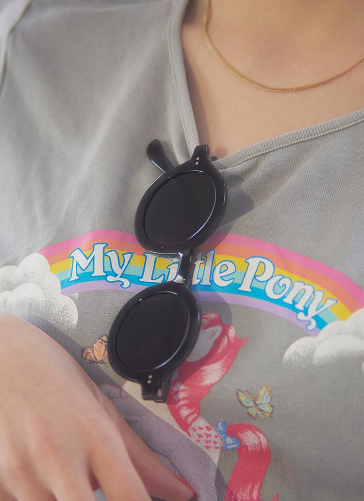 スタイリスト稲垣友斗が教える女の子につけてほしいサングラス。