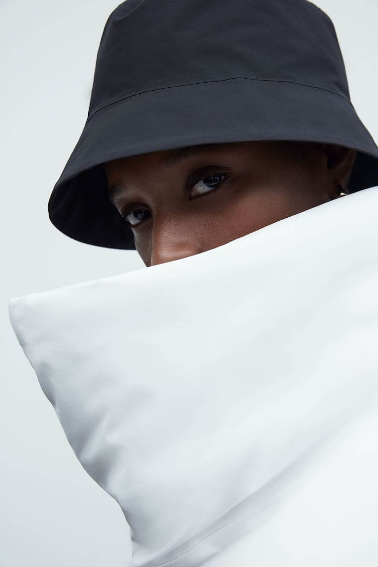 ARC'TERYXのファッションライン「VEILANCE」から初のウィメンズコレクションが登場。